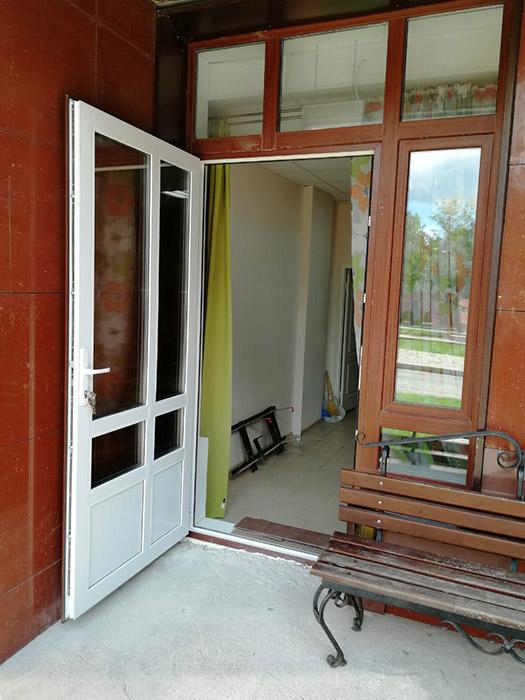 Пластиковая дверь с односторонней ламинацией