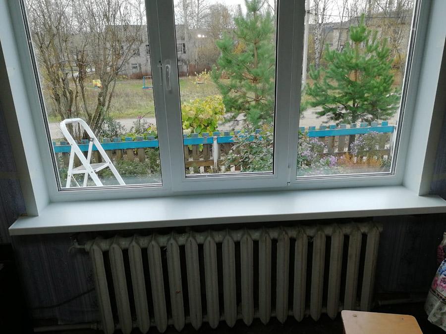 Установка подоконника окна