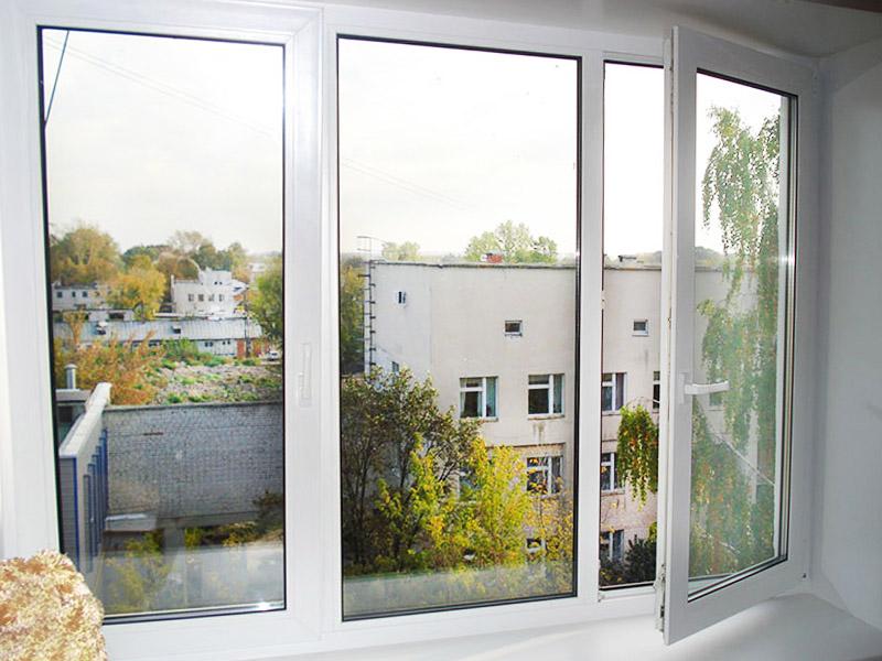 Окно с отделкой в квартире